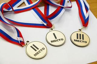 Соревнования по настольному теннису, жиму лежа и прыжкам в длину с места