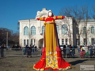 В Уссурийске прошло народное гуляние «Масленица Широкая»