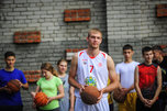 Форвард баскетбольного клуба «Спартак-Приморье» провел мастер-класс в Уссурийске