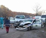 В Уссурийске внедорожник врезался в машину ДПС: пострадал автоинспектор