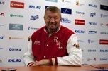 Заслуженный тренер России Сергей Гимаев проведет в Приморье мастер-классы по хоккею