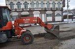 Места перекопов после прокладки газопровода грейдеруют на дорогах Уссурийска