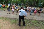 Акцию для детей «Зарядка со стражем порядка» прошла в Уссурийске