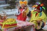 Второй день Масленицы уссурийцы встретили хороводами, шутками и веселыми играми