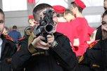 В суворовском училище Уссурийска прошла выставка стрелкового оружия