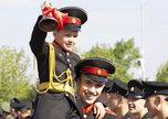 Для выпускников Уссурийского суворовского военного училища прозвенел последний звонок