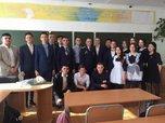 Кавалер Мужества Дмитрий Подольский провел для школьников Уссурийска тематический классный час