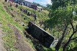После аварии с туристическим автобусом в больнице Уссурийска остаются четверо пострадавших
