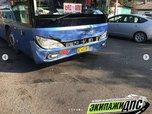 Междугородний автобус протаранил легковушку в Приморье