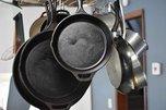 Житель Уссурийска воспитывал местного автохама при помощи сковородки