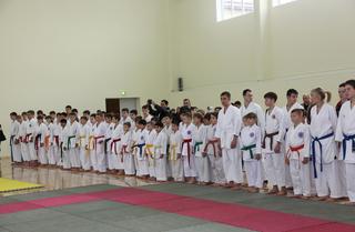Первенство Дальневосточного федерального округа по каратэ состоялось в спортивном комплексе «Локомотив»