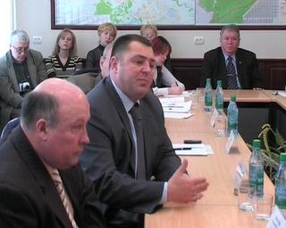 Главы приморских городов высказали претензии по 131 закону сотруднику Института современного развития