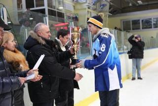 Уссурийская молодежная хоккейная команда