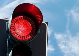 Уссурийский полицейский на джипе выехал на красный свет и сбил пенсионерку