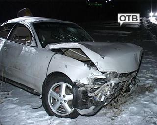 Автомобиль на большой скорости вылетел в кювет, 2 человека в реанимации