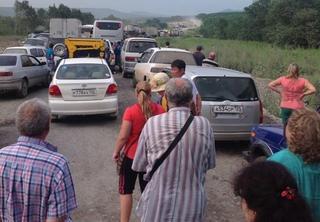 Участок объездной дороги «Раздольное — Уссурийск» был парализован на два часа из-за поломки строительной техники