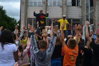 Сотрудники ГИБДД провели акцию «Азбука дорог» для воспитанников детского дома в Уссурийске