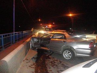 Пьяный водитель врезался в бетонный забор в Уссурийске