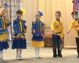 Фестиваль «Карусель талантов»: кто лучше всех поет частушки?