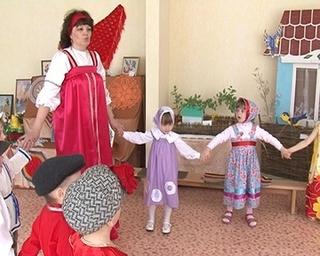 Народный фольклор в селе Корсаковка начинают изучать с младшей группы детского сада