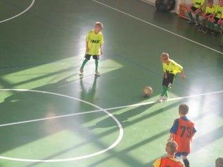 Товарищеские матчевые встречи по мини-футболу прошли в Уссурийске