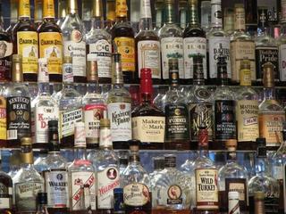 Более 1 000 литров нелегального алкоголя изъяли в Уссурийске