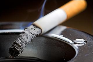 Жители Уссурийска игнорируют закон о запрете курения в общественных местах