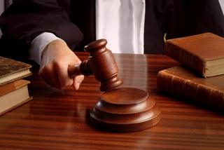 Травматолога приговорили к 2,5 годам условно за обман пациентов в Уссурийске