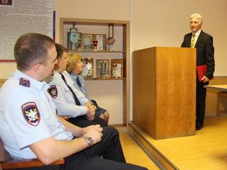 Ветераны транспортной полиции Уссурийска получили медали и благодарности