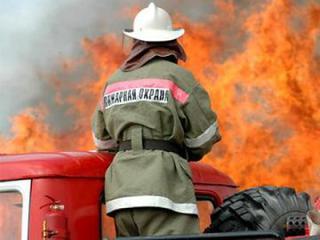 Надворные постройки горели в Уссурийске