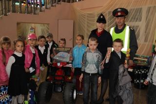 Сотрудники Госавтоинспекции провели для школьников Уссурийска игровую программу «Азбука дорог»