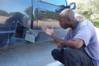 Автолюбитель разрезал свой новый пикап, ради спасения котенка