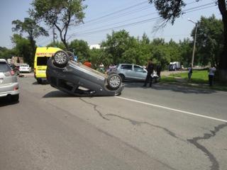 Полицейские проводят проверку по факту ДТП В Уссурийске