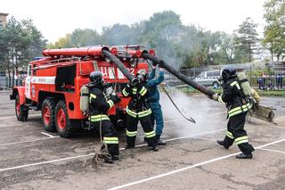 Пожарные Уссурийска заняли 1-е место на соревнованиях газодымозащитной службы