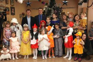 Депутаты УГО поздравили детей с Новым годом