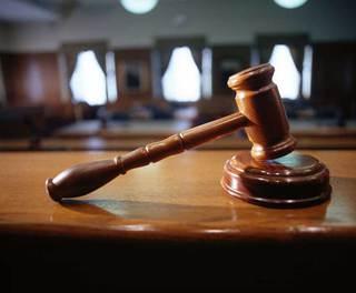 Мошенника и вымогателя осудили в Уссурийске