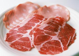 11 тонн «ничьей» китайской свинины найдены в Уссурийске