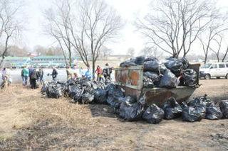 В ходе общегородского субботника жители округа собрали 171 тонну мусора