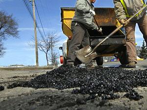 В Уссурийском городском округе продолжаются весенние работы по очистке и благоустройству территории