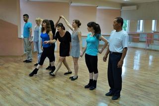 Уроки народных танцев прошли в Уссурийске в преддверии Дня семьи, любви и верности