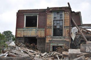 Еще 15 старых домов сносят в Уссурийске