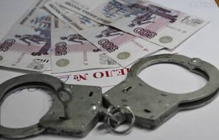 За взятку в 5000 рублей осудят женщину в Уссурийске