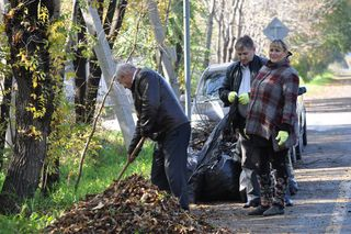 1470 кубометров мусора убрали жители Уссурийска на общегородском субботнике