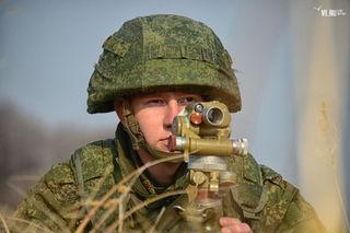День военного разведчика отметили десантники на учебных маневрах под Уссурийском (ФОТО)