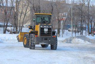 Техника МУП «БОСС» продолжает работы по подсыпке улиц Уссурийска