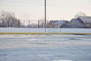 В с. Новоникольск ребята будут кататься на коньках на новой универсальной спортивной площадке