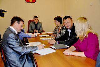 В рамках Общероссийского дня приема граждан глава администрации УГО ответил на обращения уссурийцев