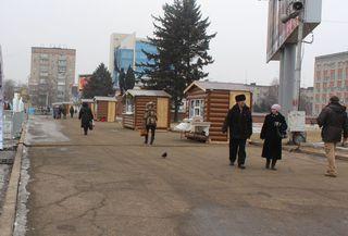 Впервые в Уссурийске на центральной площади города праздничная торговля организована по-новому