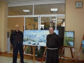 Талантливый бездомный открыл выставку своих художественных работ в Уссурийске