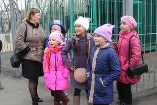 Первую экскурсию для школьников провели работники зооэкспозиции в городском парке Уссурийска